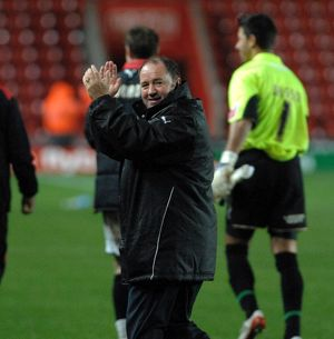 Gary Johnson thanks the travelling fans
